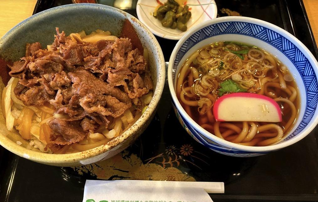 すき焼き丼,前沢